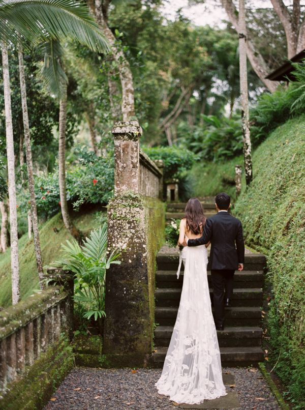 BALI: Elegant Destination Wedding  | This destination wedding had the perfect amount of exotic Balinese flavor, all the while retaining an incredibly sophisticated style.