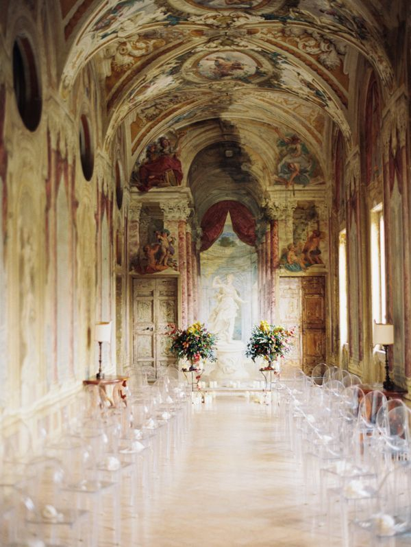 ITALY: Fashionable Destination Soiree | The bride and groom share a special connection to Castelli Romani, so they invited all of their loved ones to gather together to celebrate while enjoying the food and wine, the views, and the breathtaking details of the region.