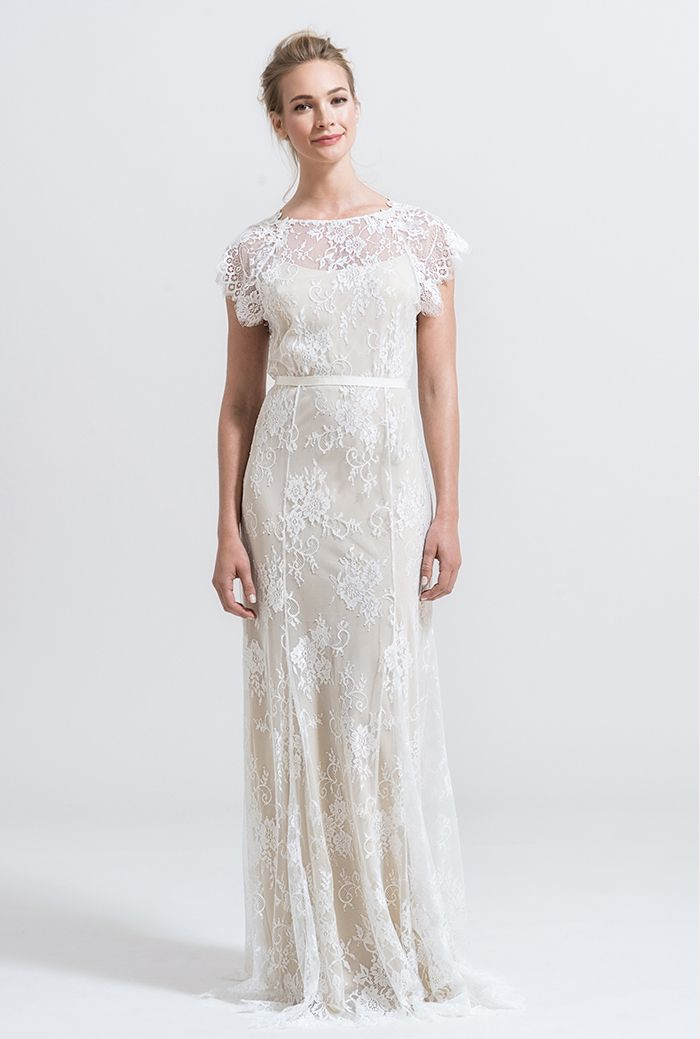 5-simple-lace-wedding-gown