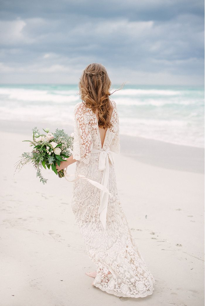 6-romantic-lace-wedding-gown-inspiration