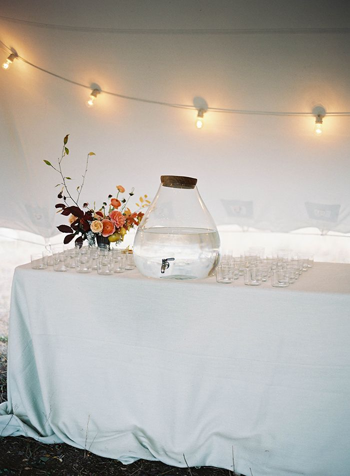 6-white-simple-wedding-decor-ideas