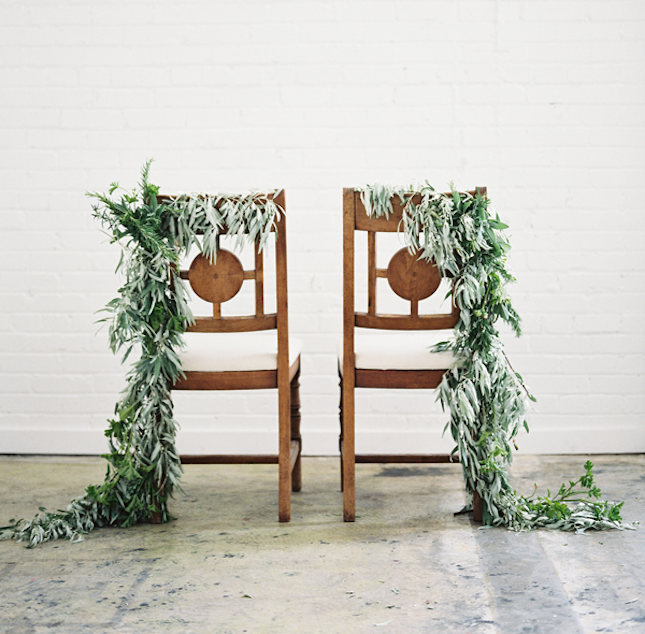 7-lush-branch-chair-garland