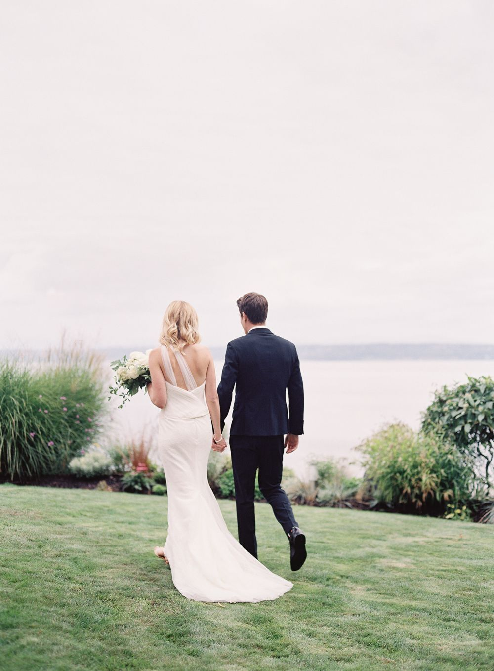 8-simple-black-white-wedding
