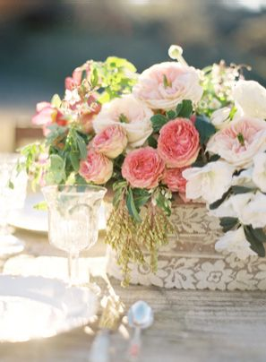 18-pink-wedding-flowers-lace-wrapped-centerpiece