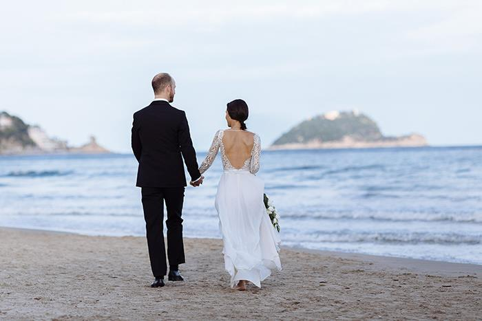20-romantic-italy-beach-wedding