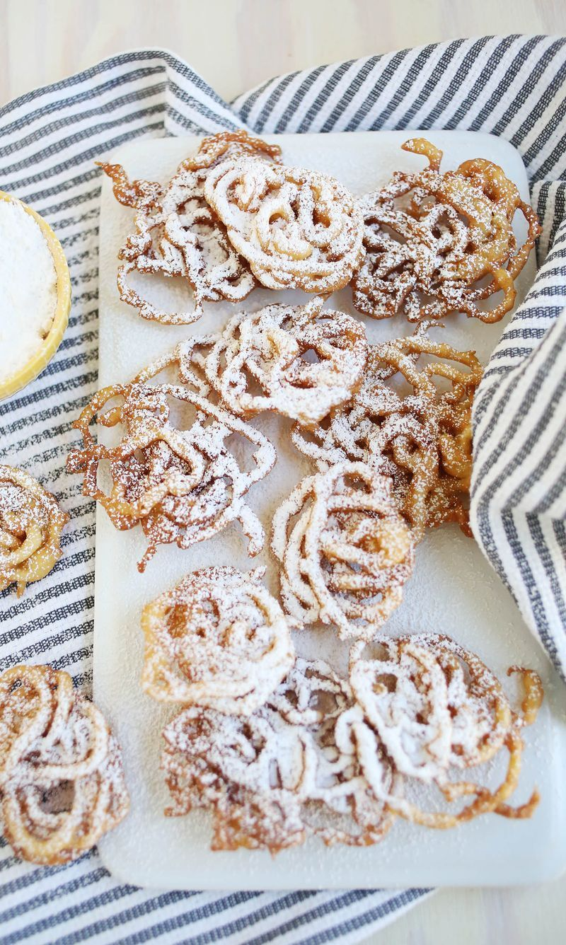 20-wedding-funnel-cake-snacks