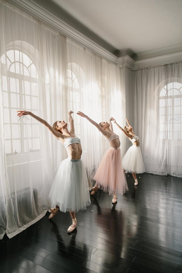 22-modern-ballet-inspired-wedding-gown