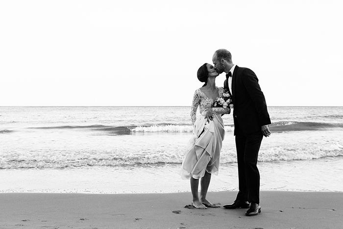 23-elegant-timeless-beach-wedding-inspiration