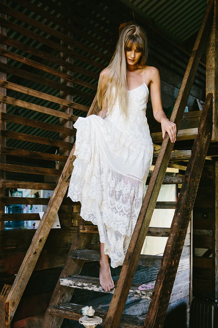 5-simple-rustic-wedding-gown