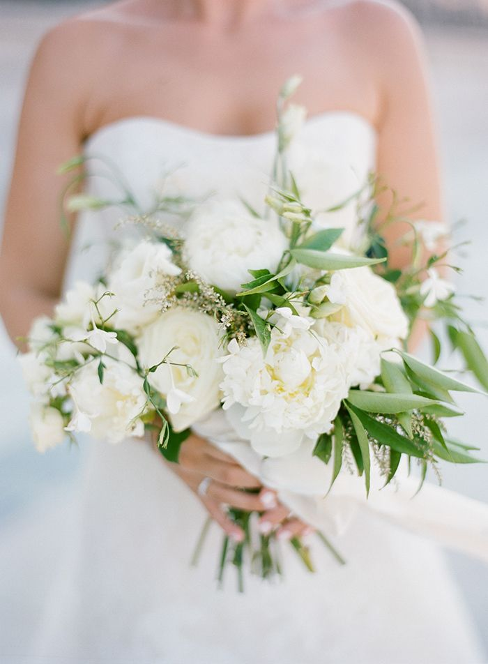 5-white-green-wedding-bouquet