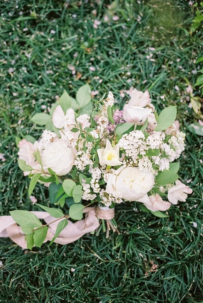 6-white-green-pink-wedding-bouquet