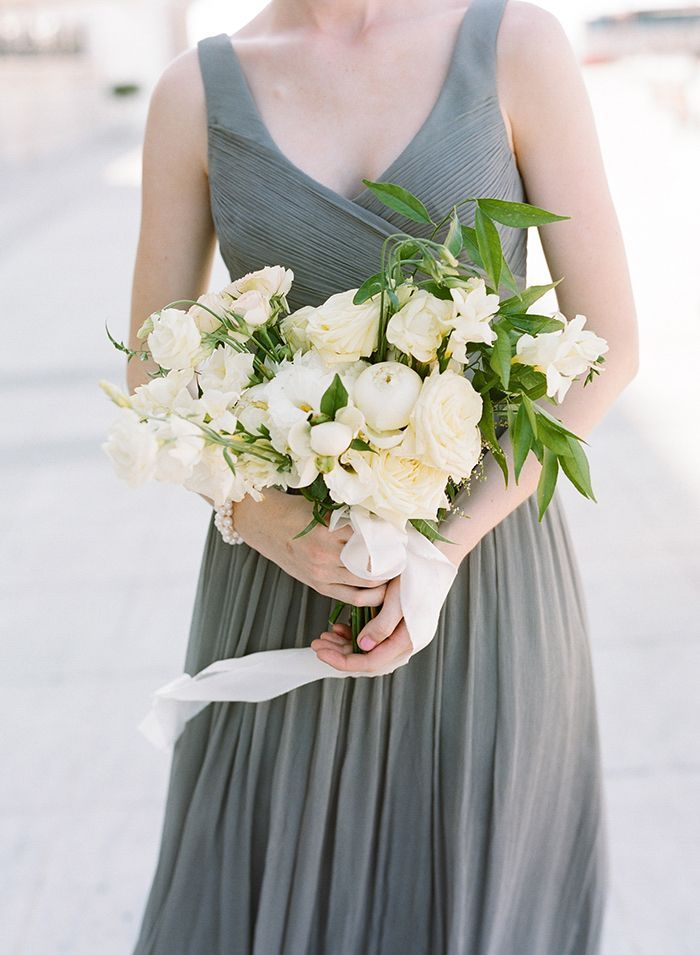 8-grey-white-green-wedding-inspiration