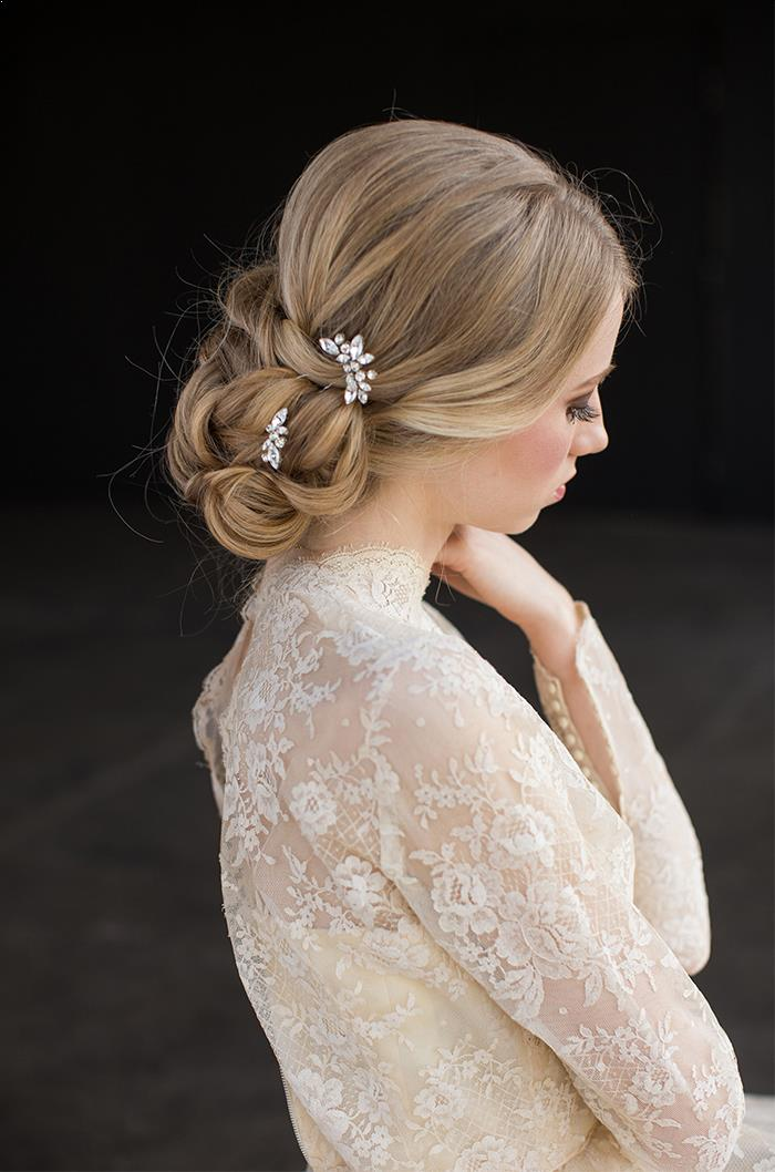 8-romantic-delicate-bridal-hair-accessories