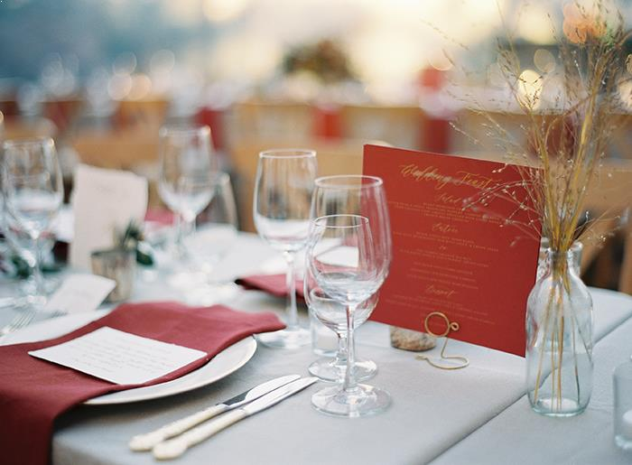 16-bold-red-grey-wedding-decor