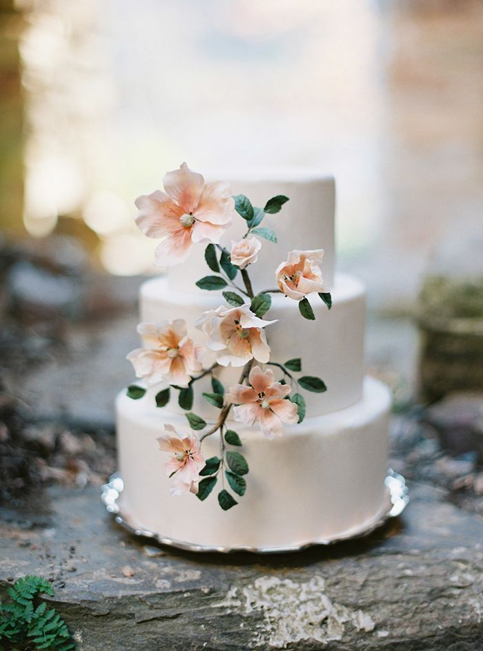 19-peach-green-white-spring-wedding-cake