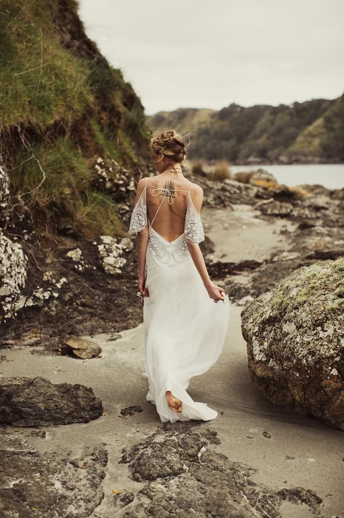 2-beach-wedding-dress-ideas