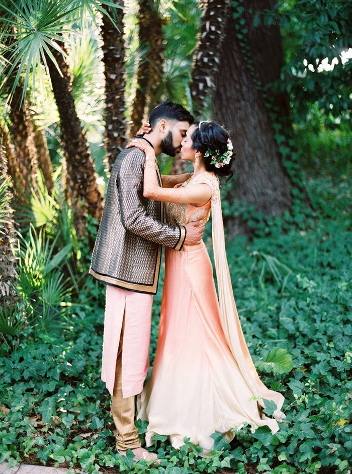 2-peach-wedding-inspiration