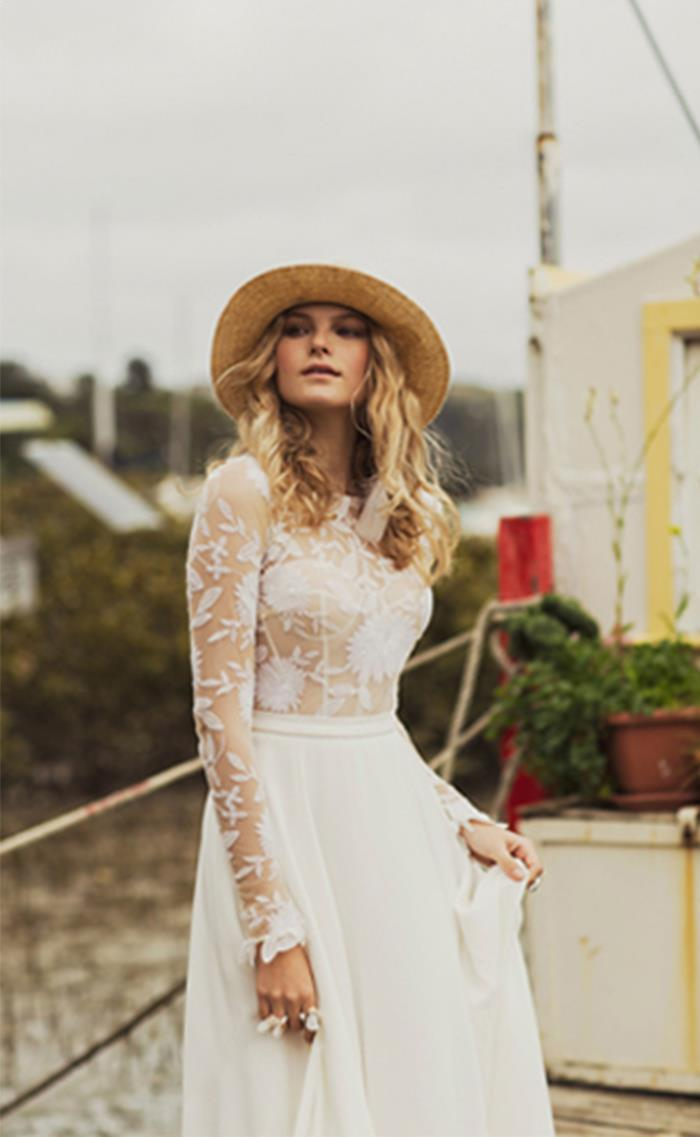 5-delicate-lace-wedding-gown-rue-de-seine