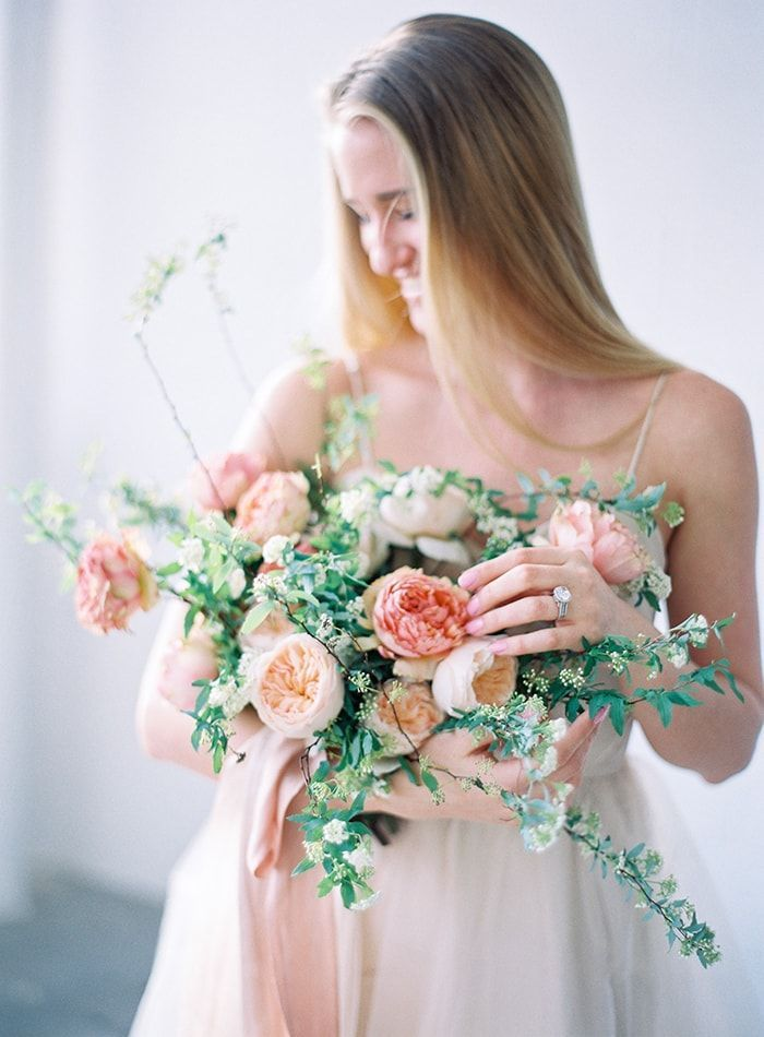 11-natural-spring-wedding-bouquet