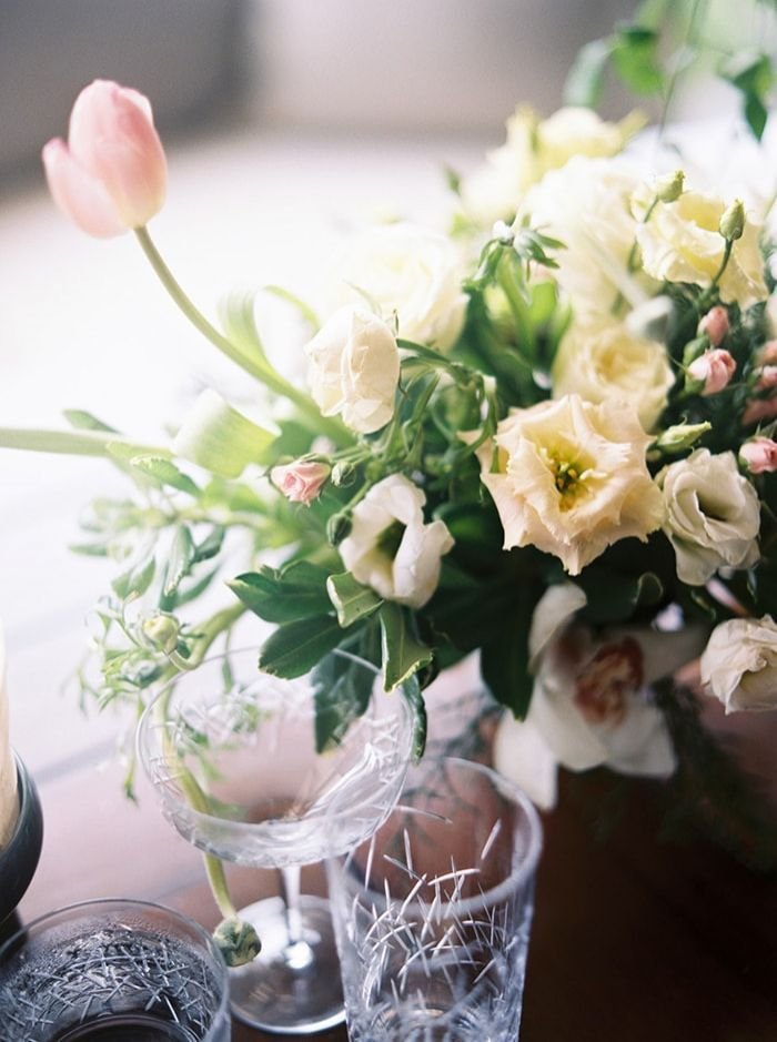12-ethereal-wedding-flowers