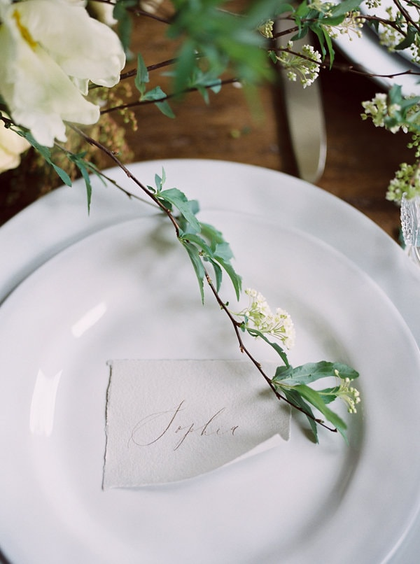 12-hand-lettered-placecards