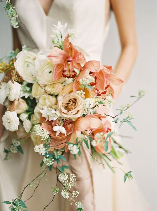 13-peach-and-cream-bouquet