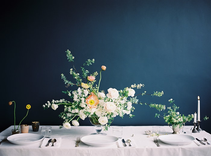 15-simple-spring-table-setting