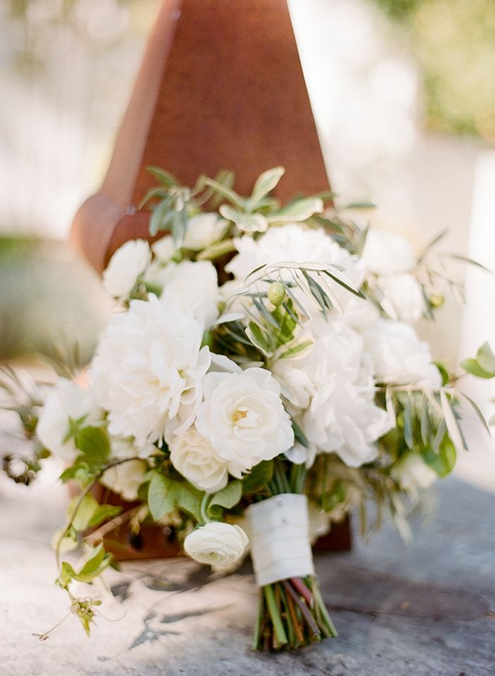 23-green-and-white-bouquet