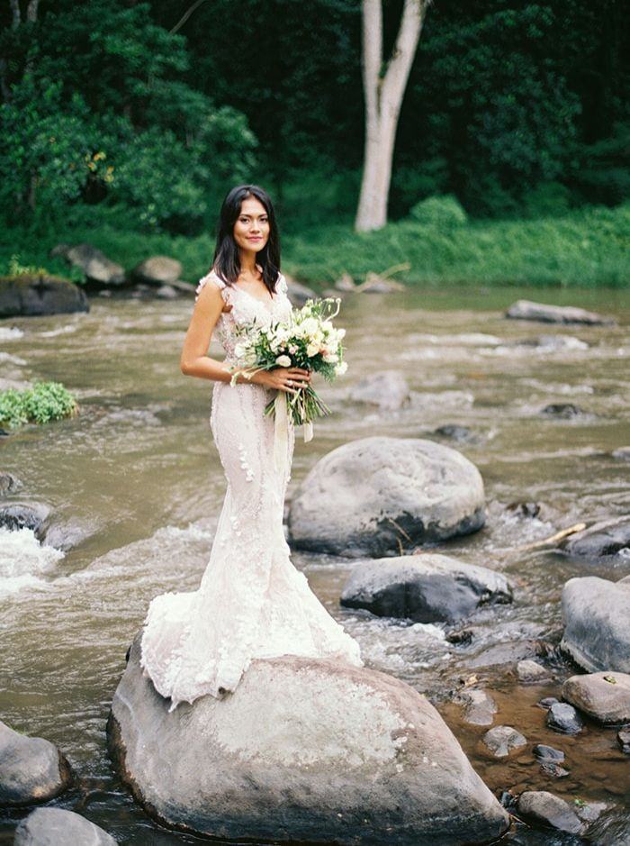 26-riverside-bridal-portrait