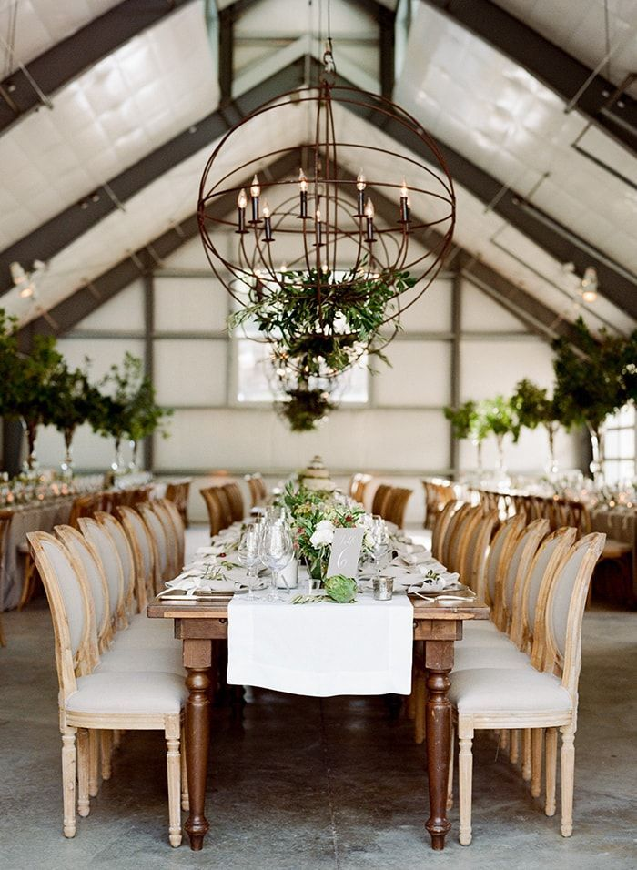 29-sophisticated-barn-reception