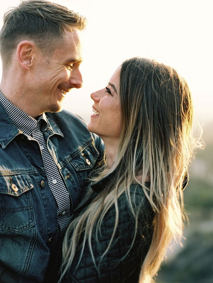 3-relaxed-engagement-photos