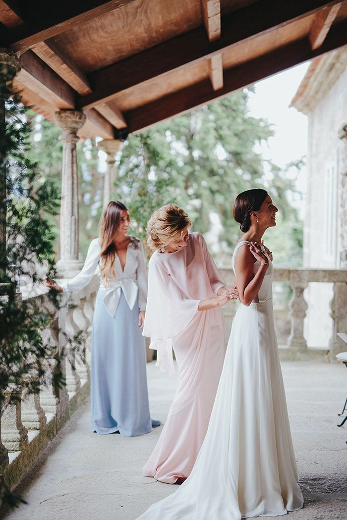 6-custom-made-bridal-gowns