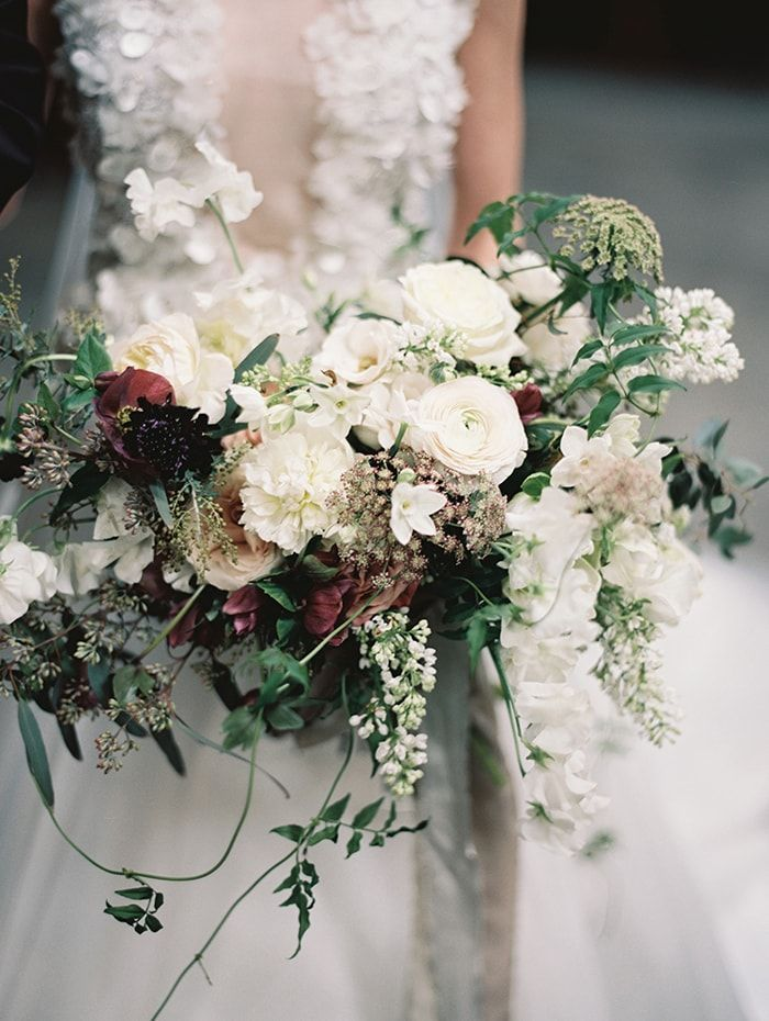 8-lush-organic-bridal-bouquet