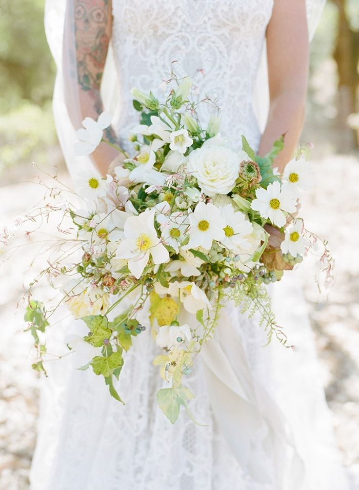 1-all-white-bouquet