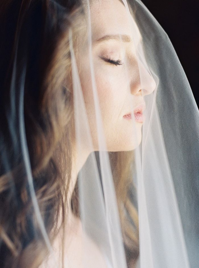 1-delicate-wedding-veil