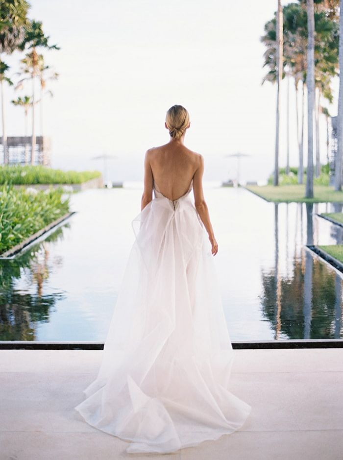 12-chic-bridal-gown-inpiration-in-the-tropics