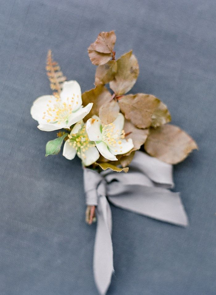 12-fall-boutonniere-ideas