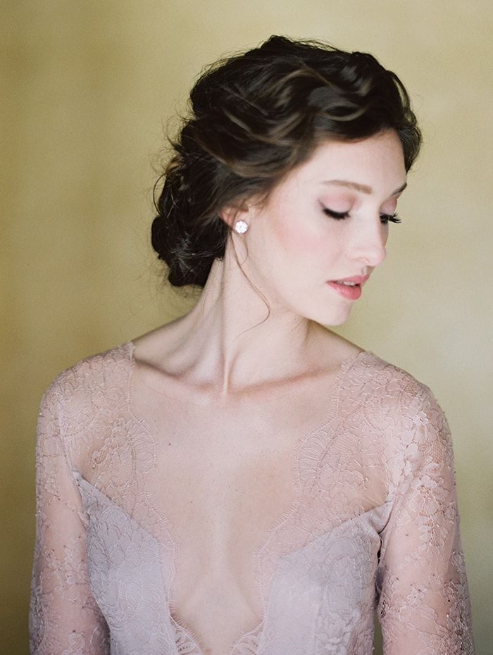 14-calm-and-quiet-bridal-portraits