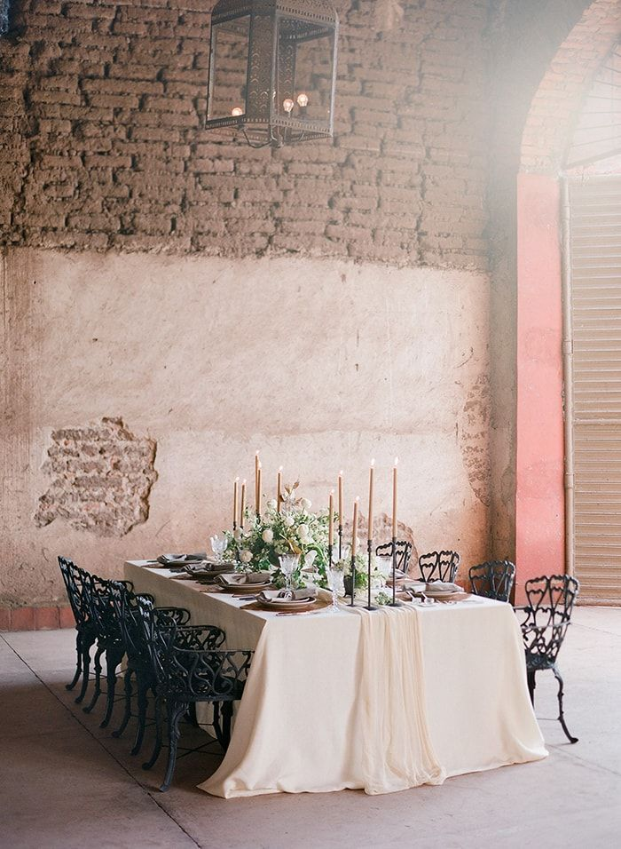 14-wrought-iron-linen-wedding-reception