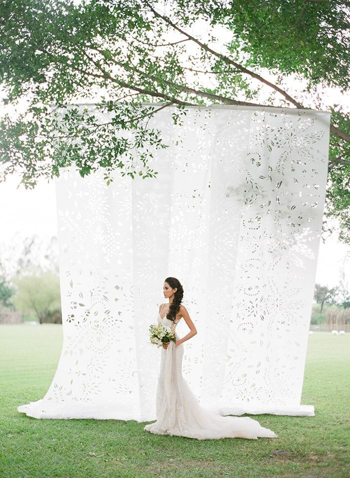 16-graceful-white-fabric-backdrop