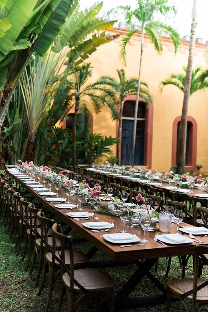 17-stunningly-simple-table-reception
