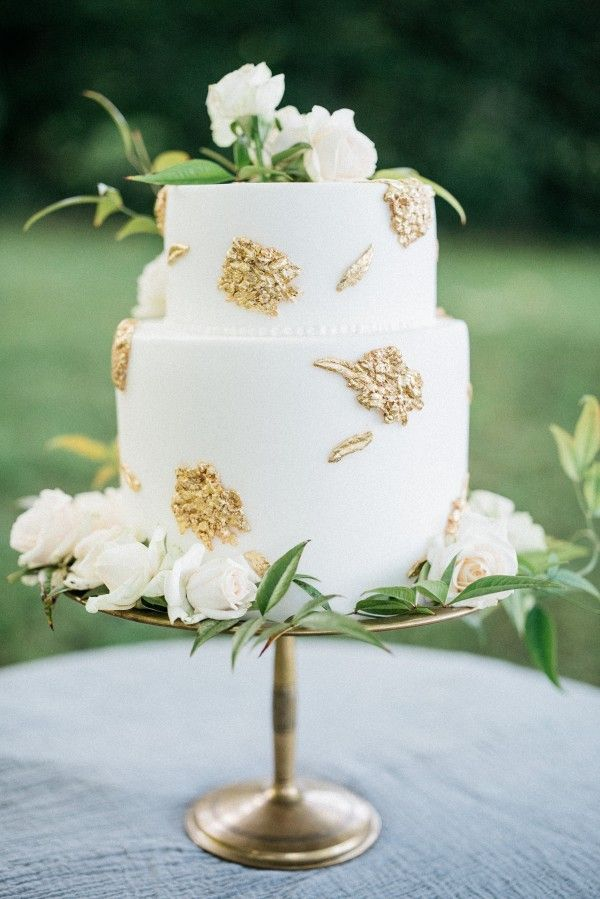 wedding cake gold foil 18 gold foil wedding cake once wed 22777