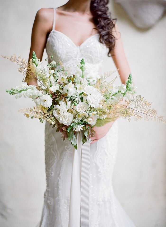 19-white-fall-bridal-bouquet-idea