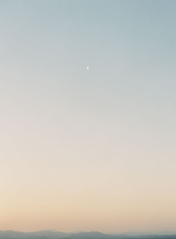 20-big-sur-sunset-crescent-moon
