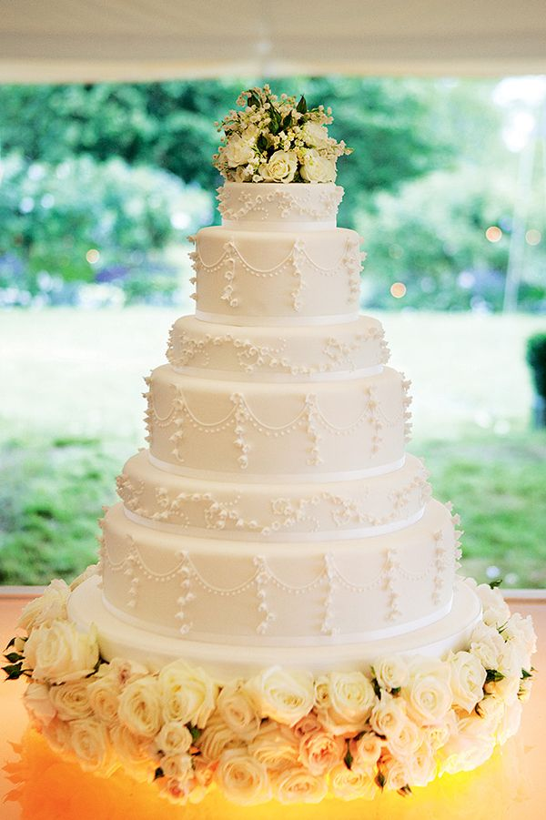 23-wedding-cake-lily-of-the-valley