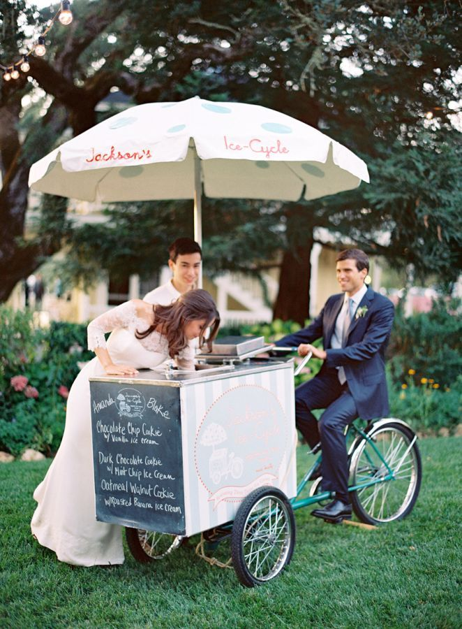 24-wedding-ice-cream-cart