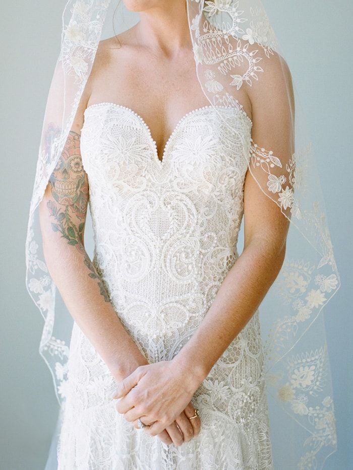 3-lace-bridal-gown