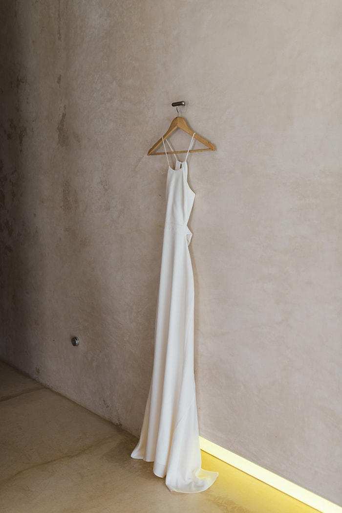 4-simple-white-halston-wedding-dress