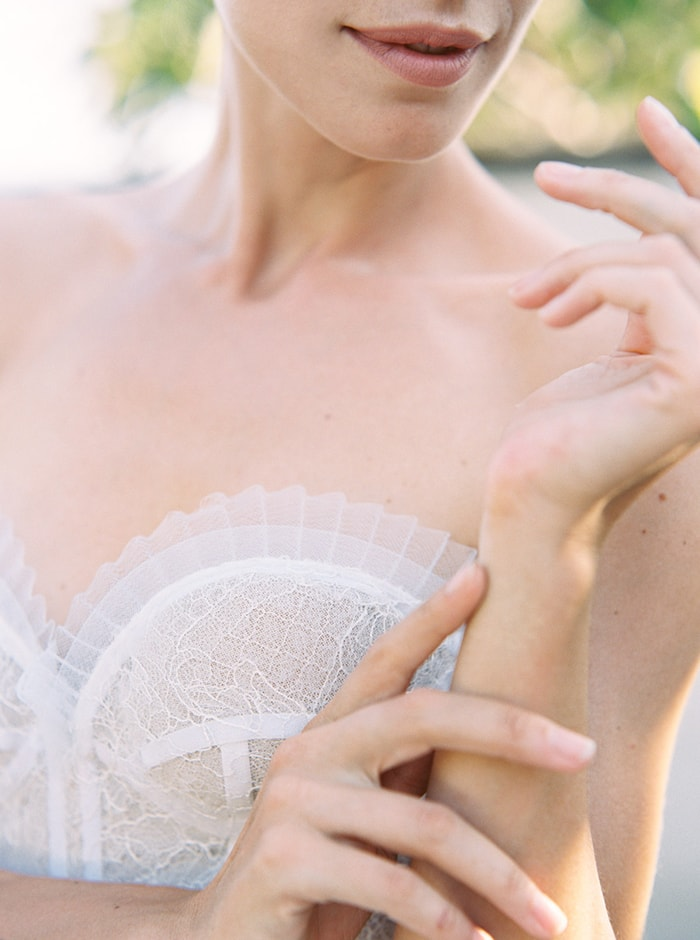 5-delicate-gown-details