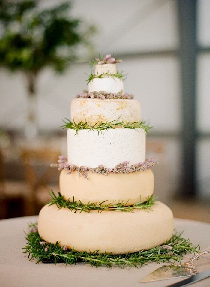 51-cheese-wheel-wedding-cake
